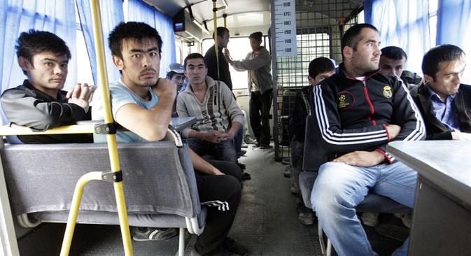 Das vorrangige Ziel der neuen Migrationspolitik ist es, unlautere Mittelsmänner vom Markt zu entfernen. Foto: Tatiana Andrejewa / Rossijskaja Gazeta