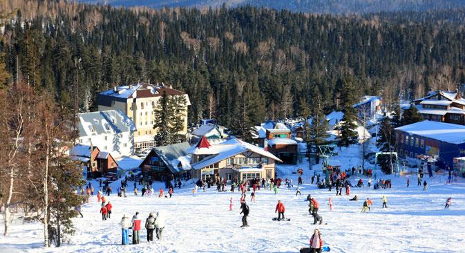 Die Skipisten des Wintersportortes verteilen sich auf vier Berge, wobei Zeljonaja mit 1 270 Metern der höchste Berg ist. Foto: Lori / LegionMedia