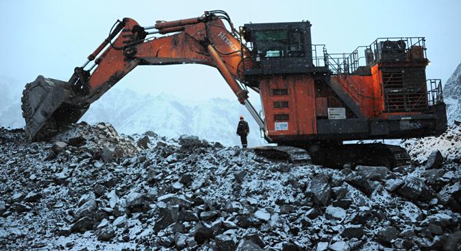 Russische Kohleexporteure haben durch die Rubelschwäche einen Vorteil gegenüber ihren Konkurrenten: Foto:  Jewgenij Jepantschinzew/TASS