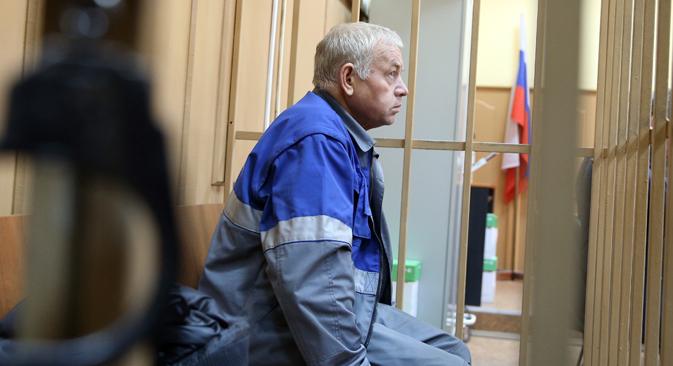 Wladimir Martynenko, der Fahrer des Schneeräumfahrzeuge war höchstwarscheinlich beim Einsatz am 20. Oktober 2014 betrunken. Foto: Artjom Korotajew/TASS