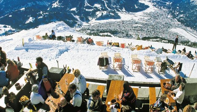 Der Skiort Garmisch-Partenkirchen gehört zu den beliebtesten Reisezielen für wohlhabende Russen in der Wintersaison. In diesem Jahr bleibt ein Großteil der Besucher aus Russland aus. Foto: Alamy/Legion Media