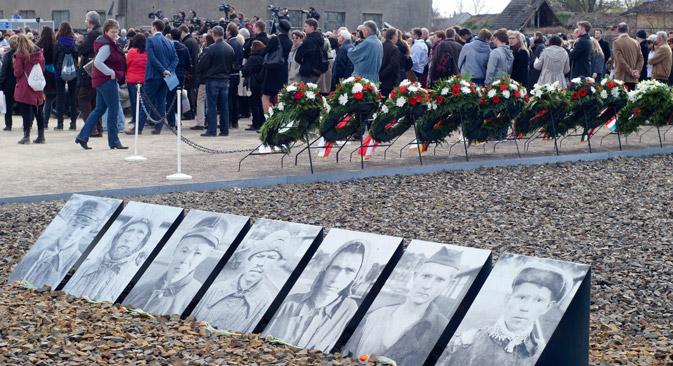 Zum 70. Jahrestag der Befreiung versammelten sich auf dem Gelände des KZ Sachsenhausen Überlebende und Politiker aus aller Welt.  Foto: Dmitry Vachedin