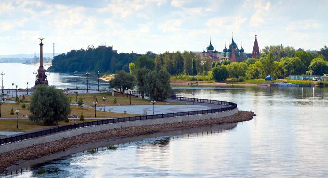 Ein Blick auf die Wolga und das Stadtzentrum Jaroslawls. Foto: Lori / Legion Media