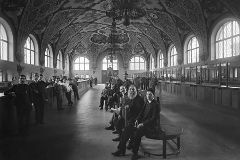 Der Kassensaal einer Filiale der russischen Staatsbank in Nischni Nowgorod, 1913. Foto: Fotosoyuz/Vostock-Photo