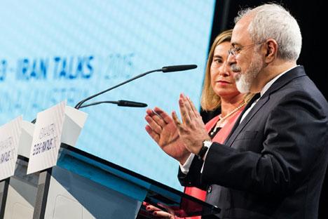 EU-Außenbeauftragte Federica Mogherini und Iran-Außenminister Mohammed Dschawad Sarif während der Pressekonferenz nach den Verhandlungen über das iranische Atomprogramm in Wien.
