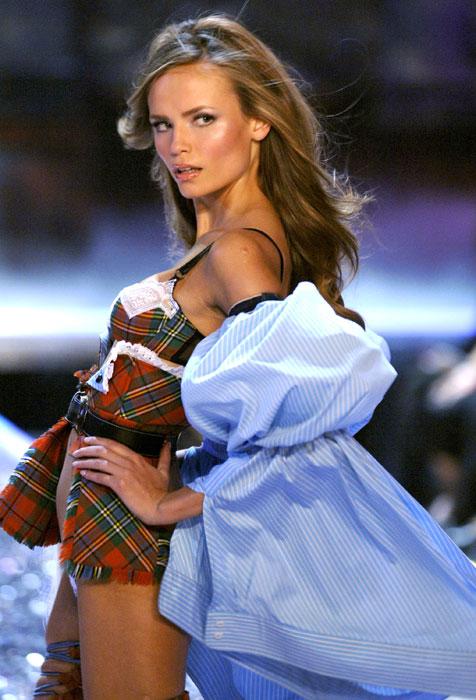 Natasha Poli, 30 anni, ha sfilato per Victoria´s Secret nel 2005 e nel 2006. È inoltre apparsa sulla copertina di Vogue Russia diventando il volto di L'Oréal