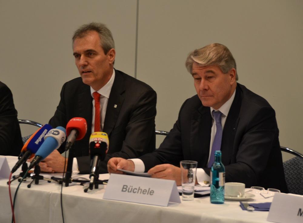 Rainer Seele, AHK-Präsident, und Wolfgang Büchele, Ost-Ausschuss-Vorsitzender, präsentierten in Berlin die Ergebnisse der 13. Jährlichen Geschäftsklima-Umfrage unter den deutschen Unternehmen im Russlandgeschäft.