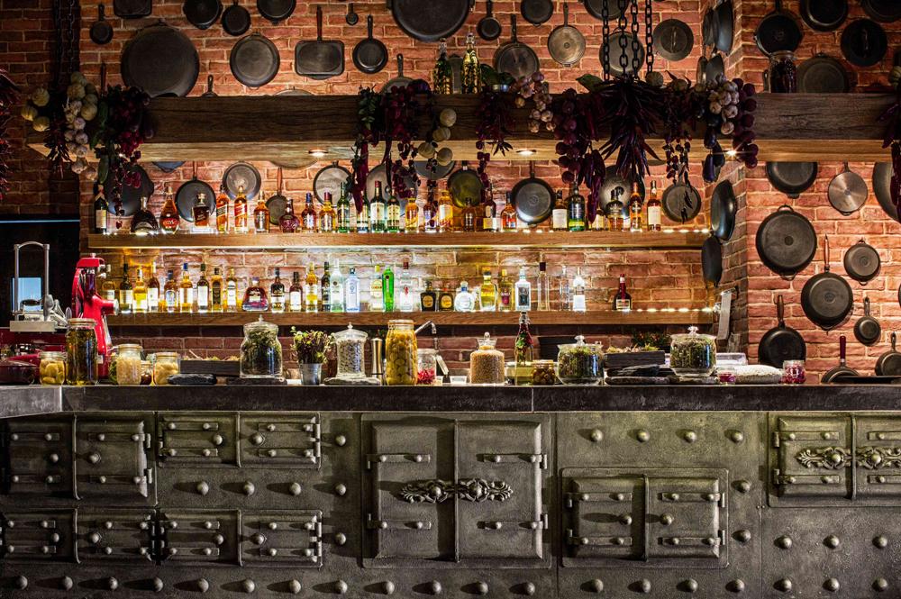 Das Restaurant Shinok ist einer der populärsten Orte, um slawische Spezialitäten zu probieren.