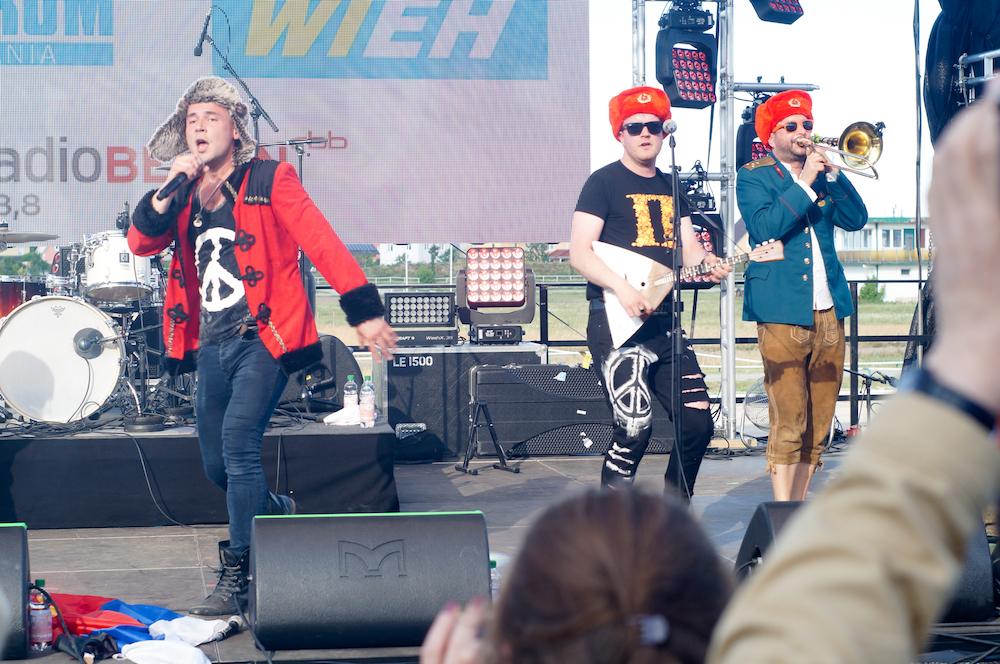 Die Party-Band DawaiDawai überzeugte das Publikum mit russischem Folklore-Pop.
