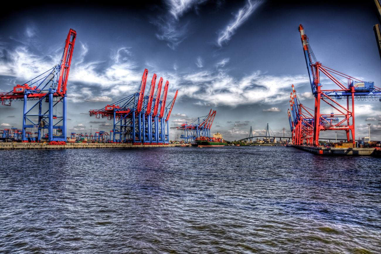 Die Hafenstadt Hamburg ist seit 1957 Partner des russischen Sankt Petersburgs.