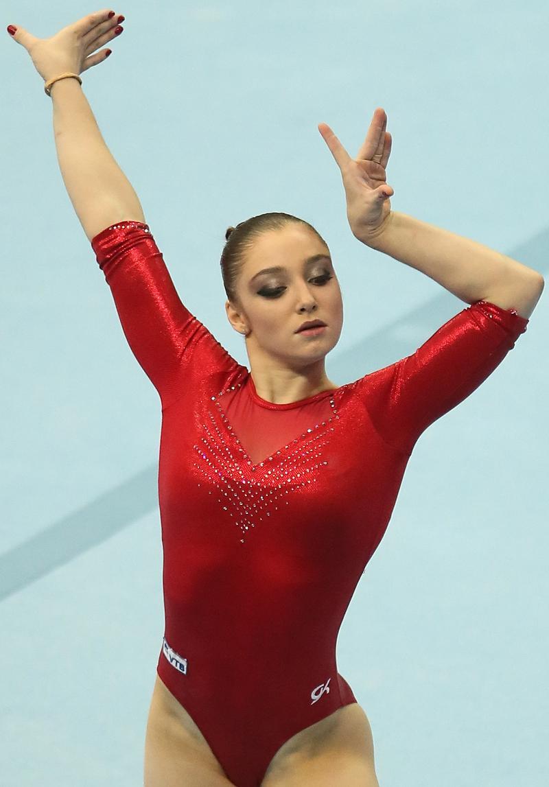 リオ五輪では、ムスタフィナの性格がロシア代表を救った。団体で4位に沈んだ時、リーダーらしく元気づけた。「最後まで闘わないとだめ、力を抜くようなことがあってはいけない、と皆に言った」と、本人は競技後に明かしている。そして団体で銀メダルを手にすることができた。