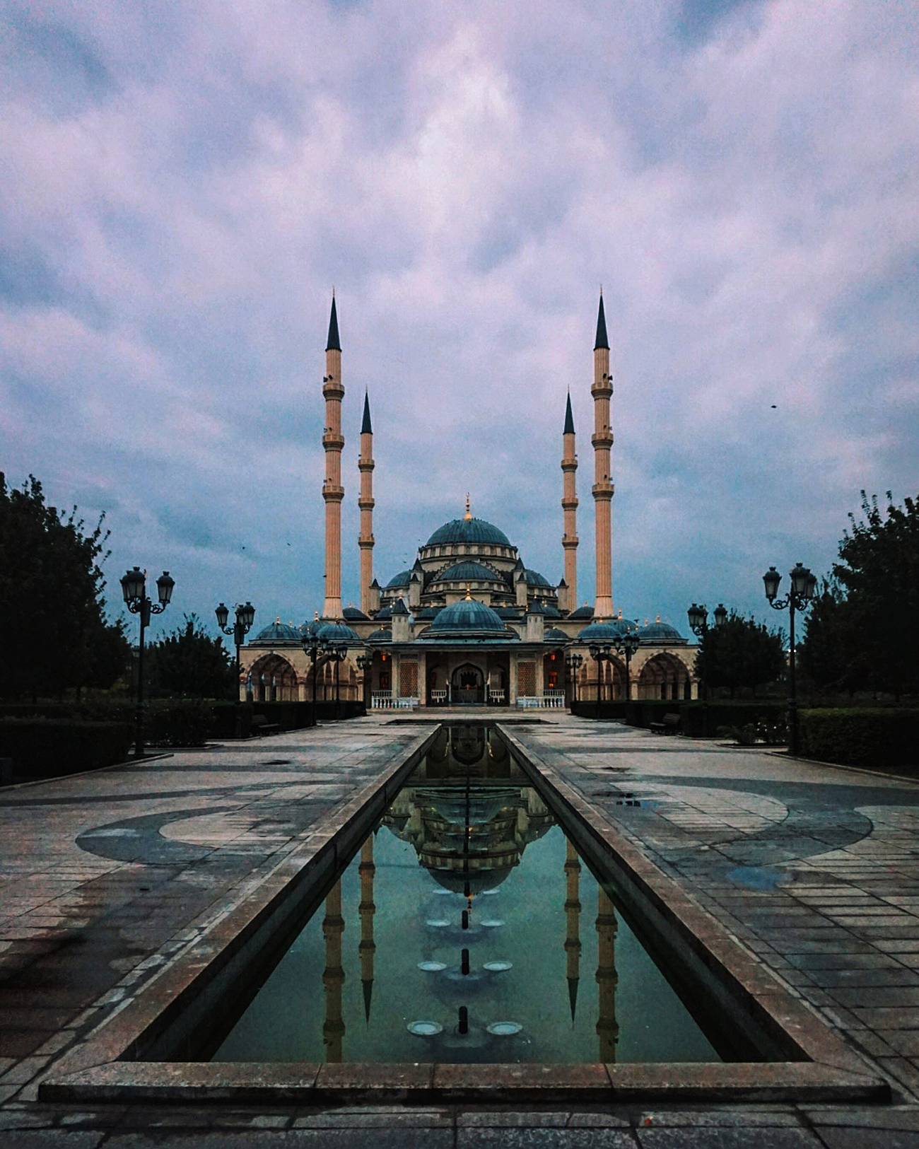 """The Heart of Chechnya mosque in Grozny. Source: <a  data-cke-saved-href=""""http://www.pictaram.com/user/unknown_caucasus/2533907852"""" href=""""http://www.pictaram.com/user/unknown_caucasus/2533907852"""" target=""""_blank"""">Muslim Alimirzaev</a>"""
