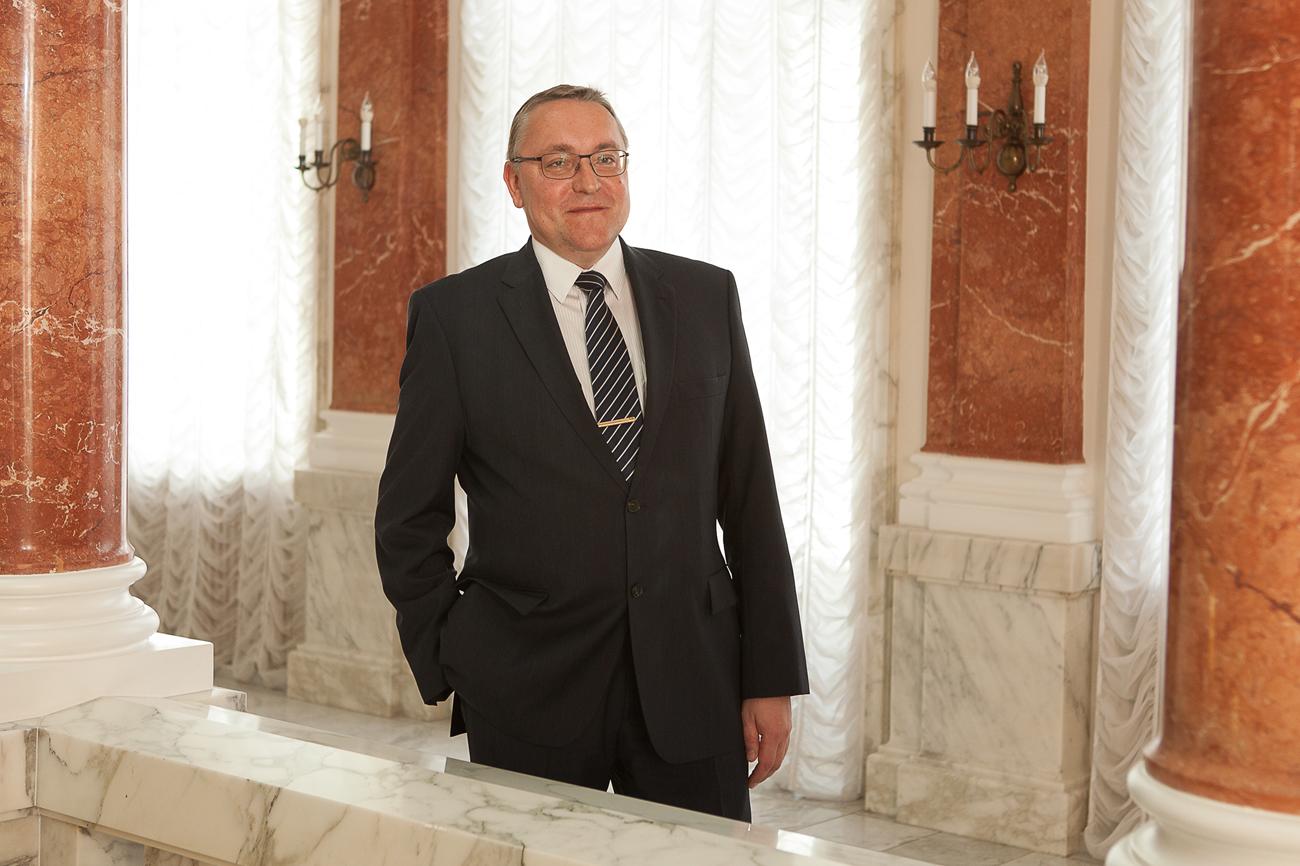 Russlands Botschafter in Österreich Dmitrij Ljubinskij traf RBTH zum Interview.