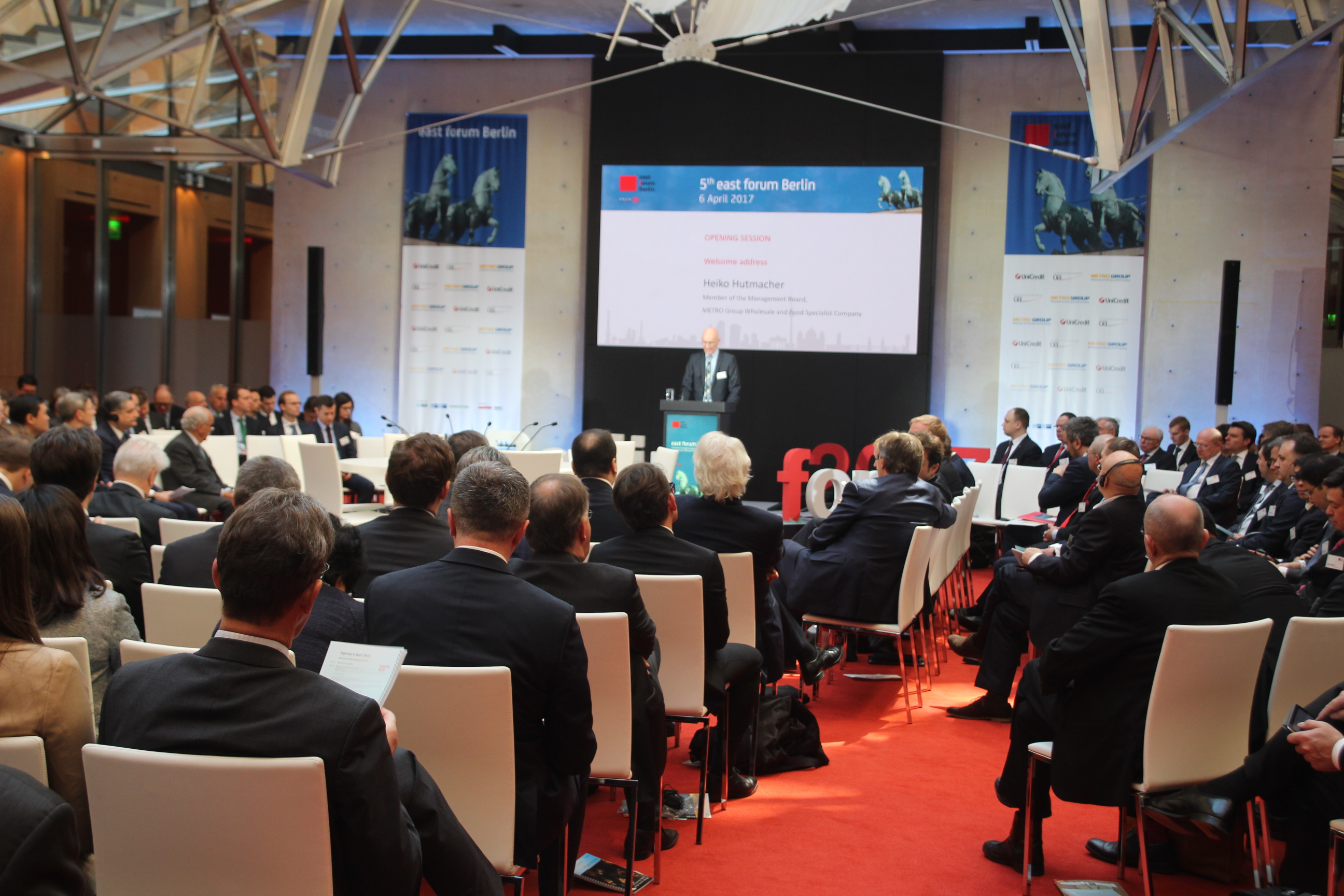 In einem Berliner Memorandum forderten Teilnehmer des Forums die Europäische Union und die Eurasische Wirtschaftsunion auf, endlich einen offiziellen Dialog zu beginnen.