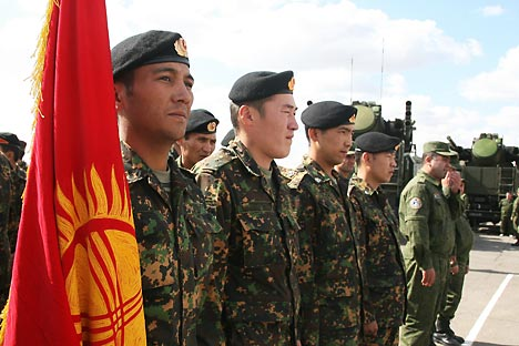 Russia is prepared to spend $1.1 billion on modernising Kyrgyzstan's army and $200 million on meeting the needs of Tajikistan's armed forces. Source: ITAR TASS