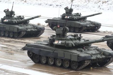 Técnicos estão desenvolvendo tanques mais avançados que os T-90 Foto: Dênis Abramov/Vedomosti