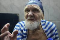 100-year-old Vasili Krapivin believes that there is no special secret to long life: you just have to get up every morning at 6:00 a.m., run down to the sea, take a swim, and run back again. Source: Mikhail Mordasov