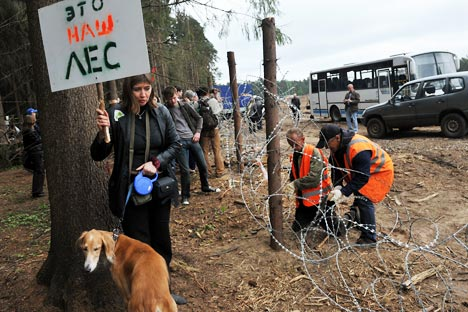 Civil activist protesting against cutting down the Tsagovsky Forest in Zhukovsky for the building of a highway to St. Petersburg. Source:RIA Novosti / Artem Zhitenev