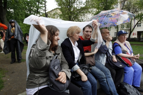 "Now, the Moscow demonstrators have turned to the ""Occupy Wall Street"" movement for inspiration and occupied the Chistye Prudy bouleverd. Source: Reuters"