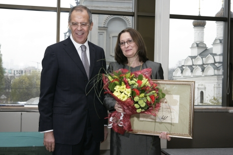 Marina Adamovich, right, and Russia's Foreign Minister Seregei lavrov, left. Source: mid.ru