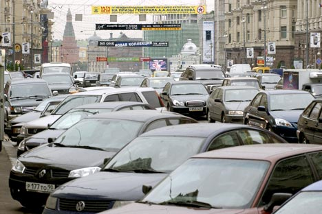 Russia's authorities are going to impose tougher sanctions for illegal parking in Moscow and St. Petersburg.Source: ITAR-TASS