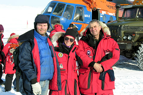 The Western scientists discovered a clear interaction between the Arctic weather and melting of the ice in Antarctica thanks to the Russian lake in Chukotka. Pictured: the University of Cologne,. Germany, Julie Brigham-Grette of the University of Massachusetts and Pavel Minyuk of Russia's Academy of Science. Source: Lake E Project