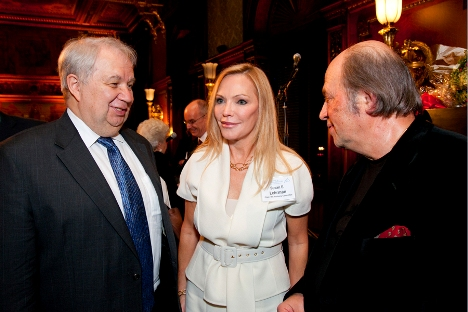 Russian Ambassador Sergey Kislyak and IRC Chair Susan Lehrman speak with Igor Bril after his performance. Source: ImageLinkPhoto.com.