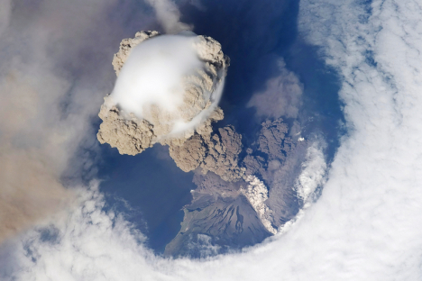 Sarychev Peak, Sakhalin Region. Source: Lori / Legion Media