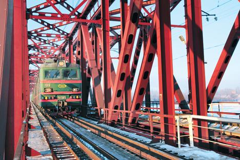 Antes de construir de novas ferrovias, governo deve reformar as existentes Foto: ITAR-TASS