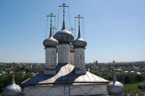 Although many of the town's churches were destroyed during the Soviet era, many monasteries survives. Source: Lori / Legion Media.