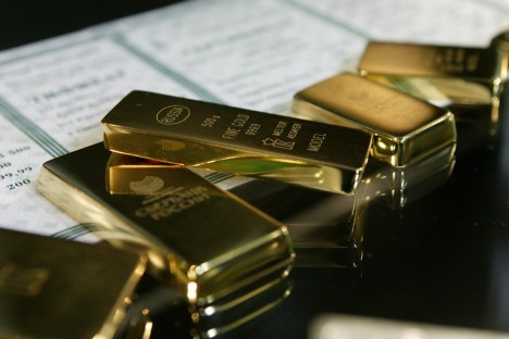 Gold bullions. Source: PhotoXPress