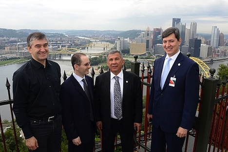 Serial entrepreneur Serguei Beloussov, iCarnegie CEO Gil Taran, President of Tatarstan Rustam Minnikhanov, and Tatarstan Minister of Information and Communication Roman Shaykhutdinov in Pittsburgh. Photo courtesy of Tatarstan Presidential Press Servi
