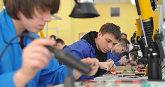 Whereas in 1999 only 450,000 people had completed secondary vocational education, by 2006 this figure had shot up to 670,000. In 2011, the number was approaching one million. Source: ITAR-TASS
