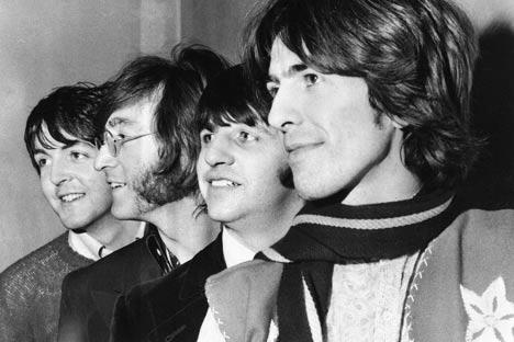 Le débat continue de faire rage parmi les historiens et critiques musicaux pour comprendre comment les Beatles ont réussi à passer à travers le rideau de fer. Crédit photo: AP