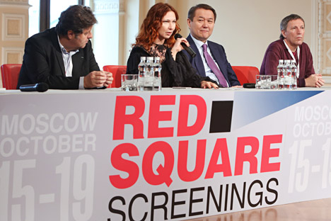 Pictured (l-r): Jerome Paillard, director of Marche du Film; Elena Romanova, head of Cinema Fund; Yermek Amanshev, president of Kazakhfilm studio at openning of the Red Square Screenings. Source: Ekaterina Chesnokova / RIA Novosti.