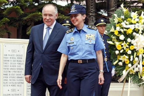 Viktor Ivanov strolls with Nicaragua Police Director (R) Aminta Granera in Managua. Source: ITAR-TASS.