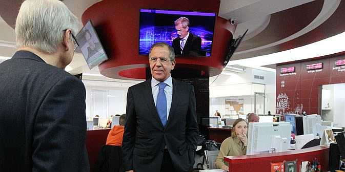 Russia's Foreign Minister Sergey Lavrov visiting the RBTH editorial office. Source: Sergey Kuksin / Rossiyskaya Gazeta