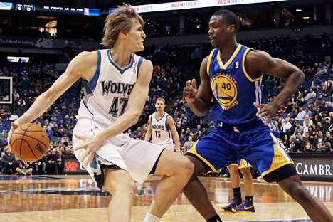Minnesota Timberwolves' Andrei Kirilenko, left, of Russia, drives around Golden State Warriors' Harrison Barnes in the first half of an NBA basketball game on Friday, Nov. 16, 2012, in Minneapolis. Source: AP