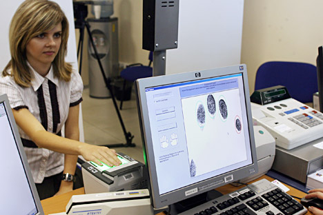 Russia seeks to introduce biometric identification in banks to allow holders of cards to pay for products and services by having their fingerprints scanned. Source: Kommersant