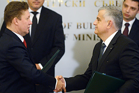Bulgarian Energy Holding (EAD) Executive Director Mihail Andonov (right) and Gazprom CEO Alexei Miller (left) decided to build South Stream through Bulgarian territory. Source: ITAR-TASS