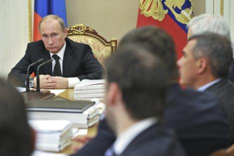 Segundo a pesquisa, como político, Pútin tem o respeito de 36% dos russos Foto: Reuters / Vostock Photo