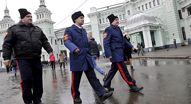 Cossacks started patrolling Moscow on November 28.They are expected to help Russian police officers tackle crime on the streets. Source: Ruslan Sukhishin