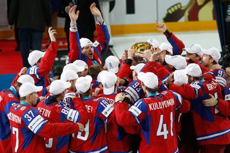 Vladislav Tretiak believes that the Russian national hockey team can beat Canada. Source: AP