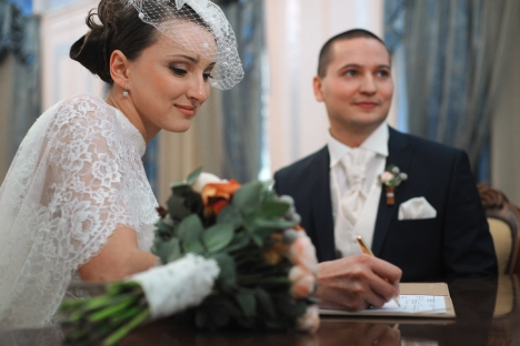 The main theme of traditional Russian weddings is splendor – not riches, but splendor. Source: RIA Novosti