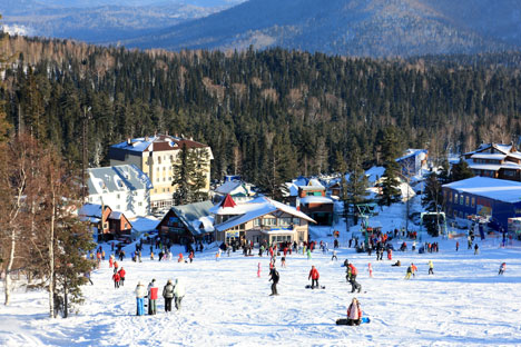 The ski resort of Sheregesh was opened in 1981. The runs (700 to 3,900 meters long) are on the slopes of Mount Zelyonaya, and the highest point on the ski slopes is 1,270 meters above sea level. Source: Lori / Legion media.