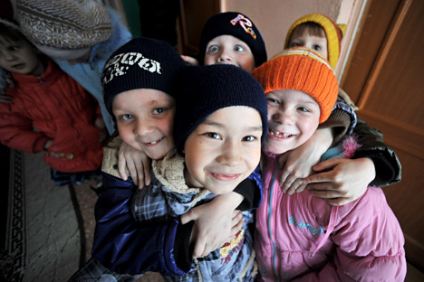Russian authorities plan to create an agency that will be responsible for orphans and their adoptions. Source: RIA Novosti / Vladimir Pesnya