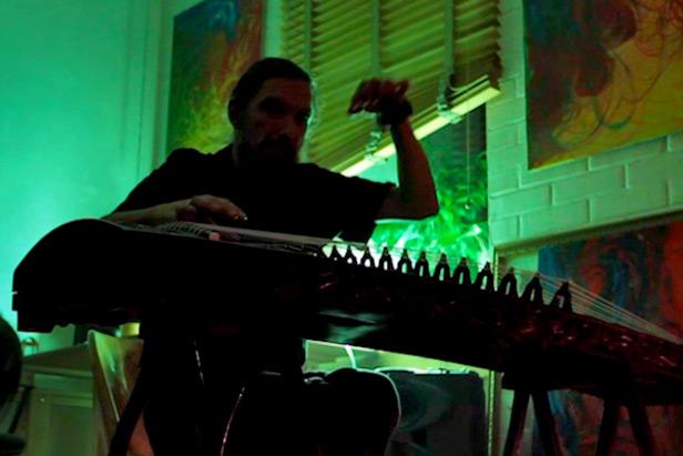 Studio concert of a modern shaman Hermes Zygott - Russia Beyond