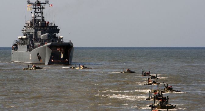 The assault landing ship Kaliningrad putting armored vehicles afloat. Source: RIA Novosti / Igor Zarembo