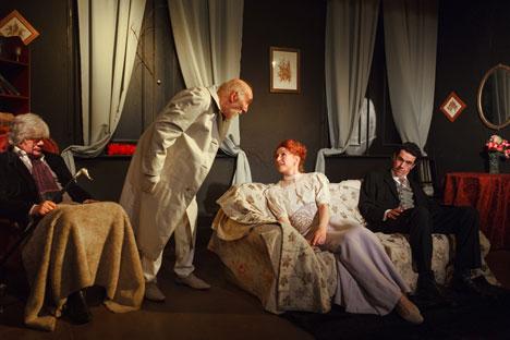 Performing: Gaev (Lucien Morgan), Firs (Nick Simons), Ranevskaya (Emma Francis) and Lopakhin (Alex Harland). Source: Greg Veit
