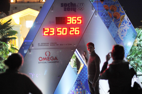 Clock counting down the time to the start of the 22nd Olympic Winter Games in Sochi. Source: RIA Novosti
